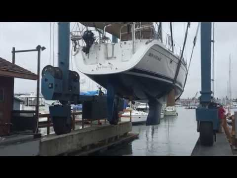 2009 Hunter 49 Sailboat haulout for survey By: Ian Van Tuyl