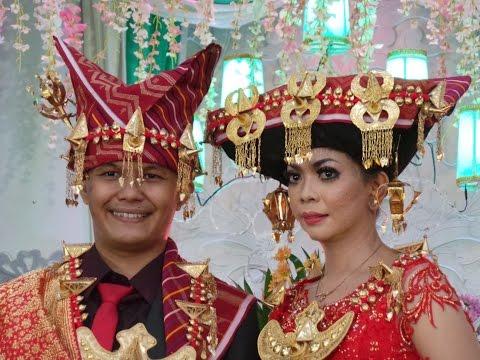 Traditional Batak Karo Wedding (Pernikahan Tradisi Batak Karo) In Sanggau Indonesia
