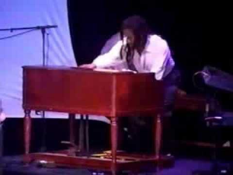 Dhar Leon Bryant AMAZZZZING Organ Solo... look!