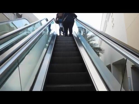 Crappy Schindler Escalators @ Fashion Valley Mall, San Diego, CA
