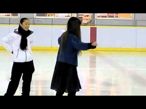 ELTの2人がアイススケートに挑戦!