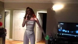 Erica live en direct du 450 Belinda Carlisle megamix