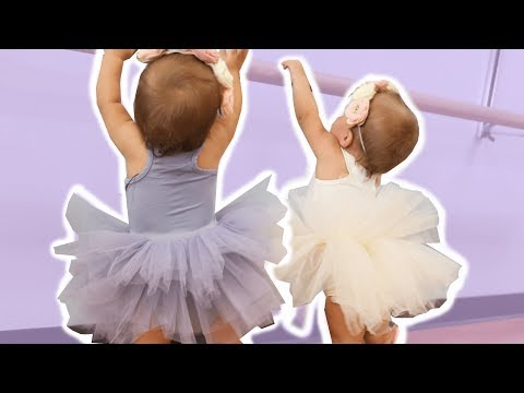 TWIN BABIES FIRST BALLET DANCE CLASS (SUPER CUTE)