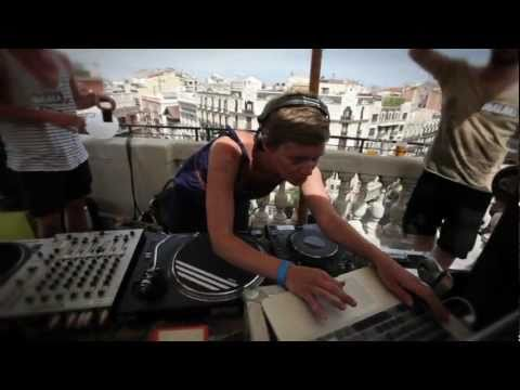 Techno Taverna ♥ Clique Bookings | On the Roof at Sonar Barcelona 2011