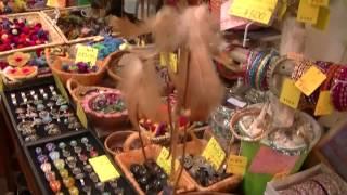 http://pokhara1.com/ 大阪平野区のエスニック衣料と雑貨のポカラ。外観...