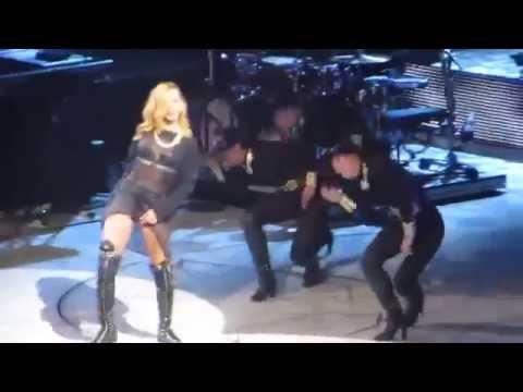 Rihanna numb en vivo