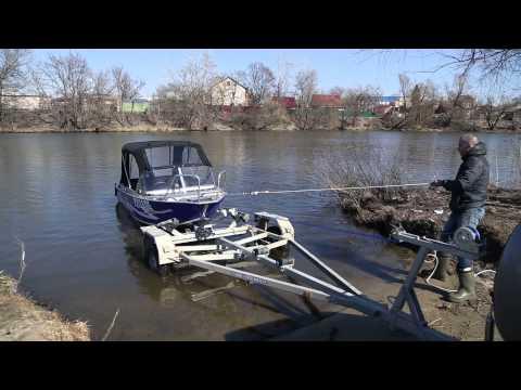 как правильно спустить лодку с прицепа на воду