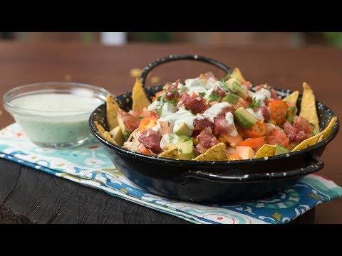 Nachos con Pollo y Salsa de Yogur | Recetas ¡Súper Naturales! by Yogurísimo