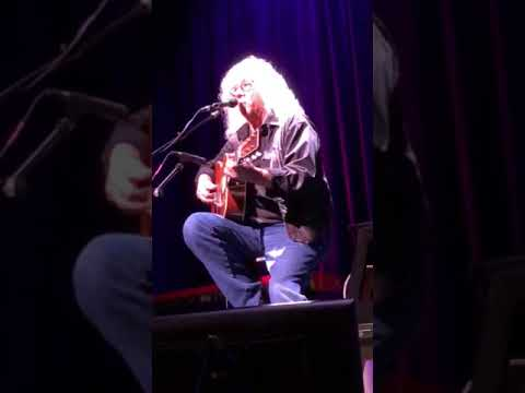 Arlo Guthrie live in Key West Alice's Restaurant