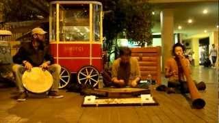 Istanbul street 03/09/2012 Santoor ..........Hakan (Turkey) Didgeri...
