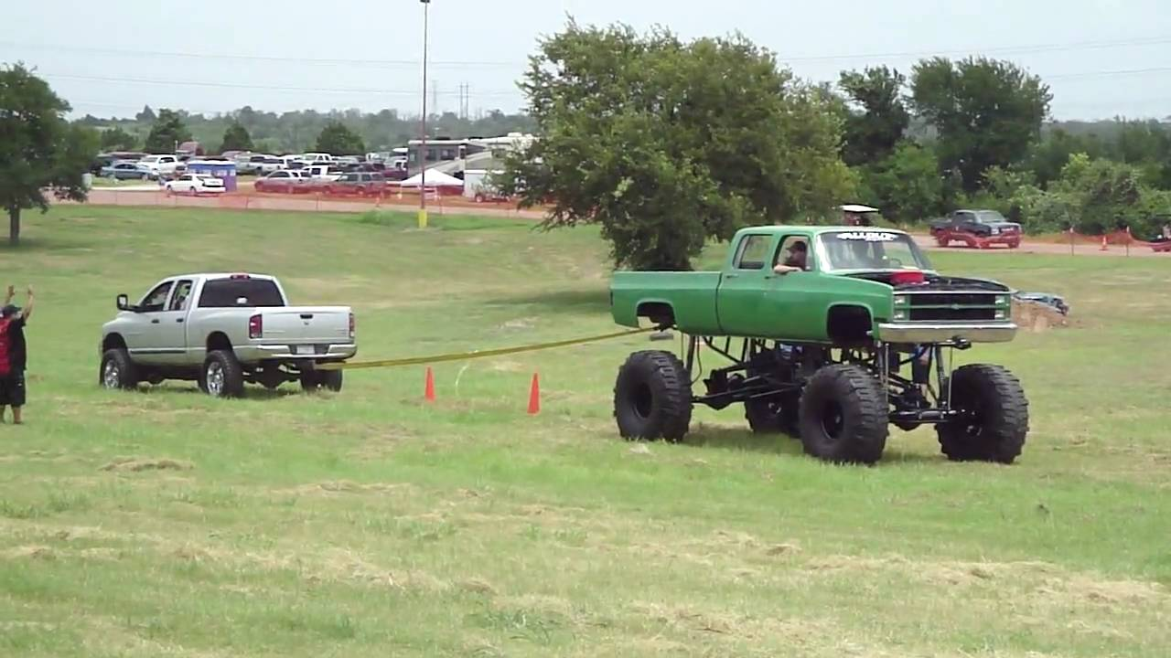 texas heatwave austin 2010 truck pull chevy gas vs dodge diesel round1 youtube. Black Bedroom Furniture Sets. Home Design Ideas