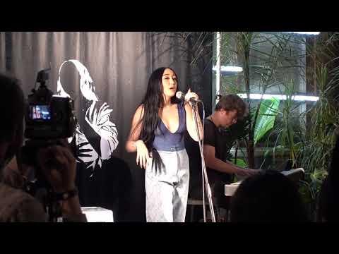"Noah Cyrus - ""July"" (Live @ Space 15 Twenty UO, Hollywood, CA 10/19/2019)"
