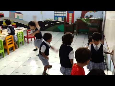 Avram masuk sekolah di Play Group Bunda Wacana Magelang