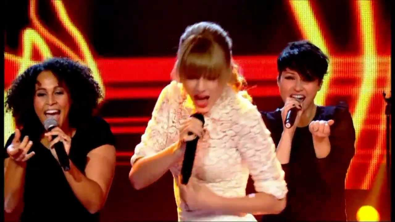 Taylor Swift Dancing 13 Cringe Worth Times This Happened Stylecaster