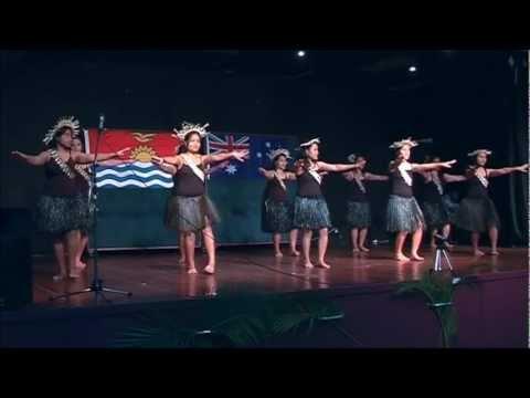 Ana waiangina, Kiribati dancing