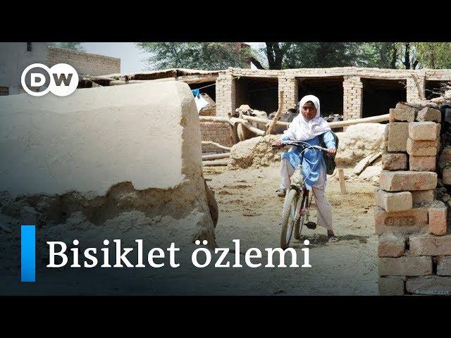 Pakistan'da bisiklete binmeye cesaret eden kızlar - DW Türkçe