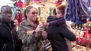 Baixar Mariah Carey and her adorable twins at the Eiffel tower in Paris