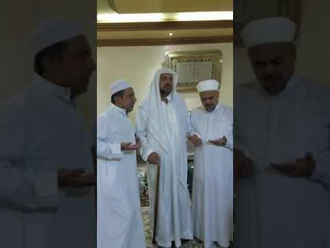 Masya Allah, Habib Rizieq Dan Hb Taufig Assegaf Berebut Cium Tangan Dan Minta Doa