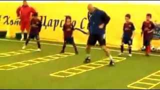 Video ALLENAMENTI CALCIO : football training for kids: coordination. Allenare la coordinazione. download MP3, 3GP, MP4, WEBM, AVI, FLV Juli 2018