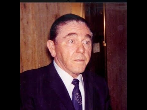 Moe Howard of the 3 Stooges  The difference between a comedian and a comic.