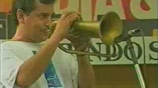 João Nogueira-Batendo a porta (ao vivo no Pelourinho)