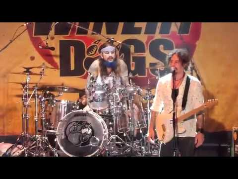 The Winery Dogs - Full Show, Live At The Beacon Theatre On 5/7/2019, Who Let The Dogs Out Tour!