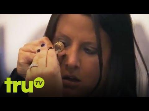 Hardcore Pawn - Woman Tries to Return Fake Diamonds
