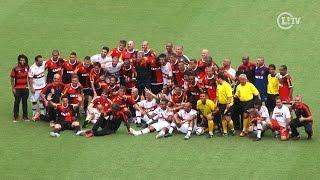 Impiedoso, ídolos do Flamengo massacram artistas no Maracanã