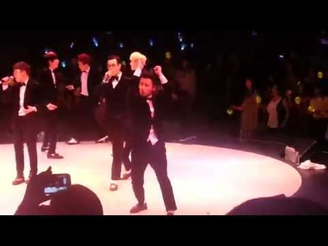 U-Kwon's Body Rolls - Block B in NY