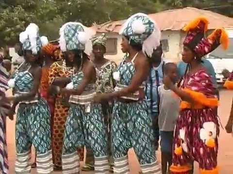 Kanilai 21 05 12 Yaya Jammeh Danse Cest Son Anniversaire