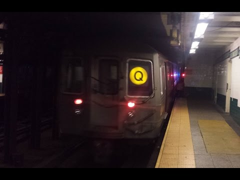 BMT Broadway Line: Brooklyn Bound R68 (Q) Train Entering & Leaving @ Canal Street