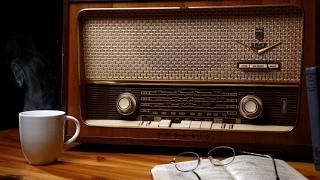 أخبار عالمية - الراديو صوت الإعلام الأبقى رغم تقادم الزمن