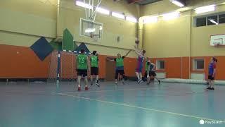 Смотреть видео PlayBasket. Видеообзор 22.04.2019 (Метро Достоевская). Любительский баскетбол в Москве онлайн