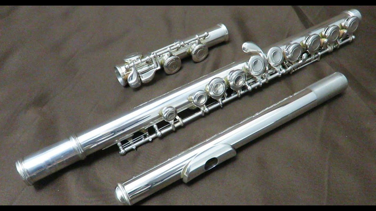 Yamaha flute yfl 411 mint condition could play it 9999 for Azumi vs yamaha flute