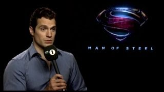 henry-cavill-awkward-interview-with-nick-grimshaw