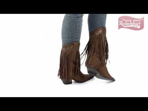 db0961a89e Bota Texana Feminina Taupe c/ Franja e Detalhes em Rebites - West Country -  YouTube