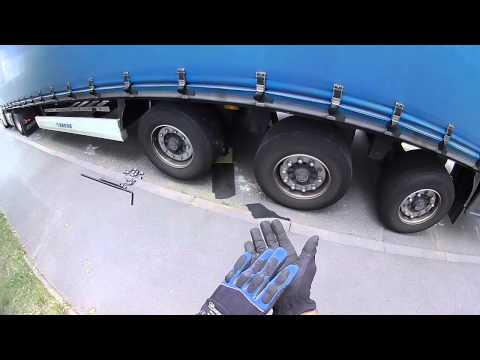 6.A kamionos.Kerékcsere a pótkocsin!