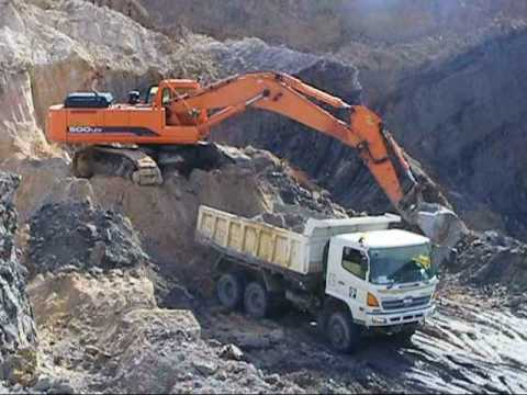 S500 In Indonesia Coal Mining.wmv