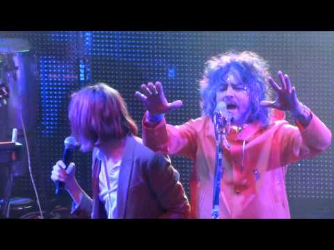 Flaming Lips SGT. PEPPER'S LONELY HEARTS CLUB BAND Live w/ Foxygen San Francisco Warfield NYE 2014