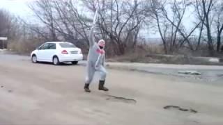 Супер видео! Олимпийский огонь несут через Волгоград 2014(, 2014-02-17T11:33:37.000Z)