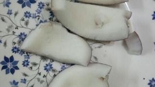 नारियल को कैसे तोड़ें | quickly remove coconut shell | Easiest way to break coconut shell