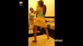 Video Goyangan Cupi Cupita Slow Motion HOT !!!!! download MP3, 3GP, MP4, WEBM, AVI, FLV April 2018