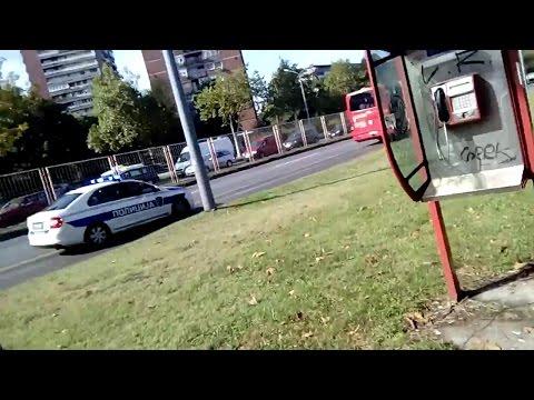 Возила полиције око Палате Србије / Police vehicles around the Palace of Serbia