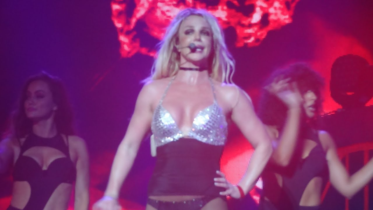 Britney Spears - Freakshow (Live in Dublin, Piece Of Me Tour - 3arena) HD - YouTube