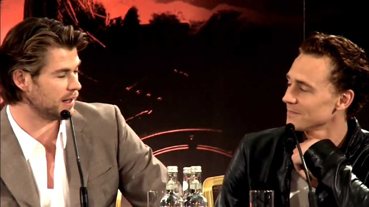 chris hemsworth and tom hiddleston relationship
