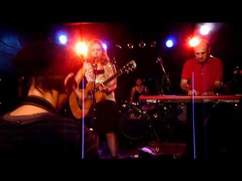 The Corin Tucker Band - 1000 Years (Live Huck Finn, Nagoya 30/11/2010)