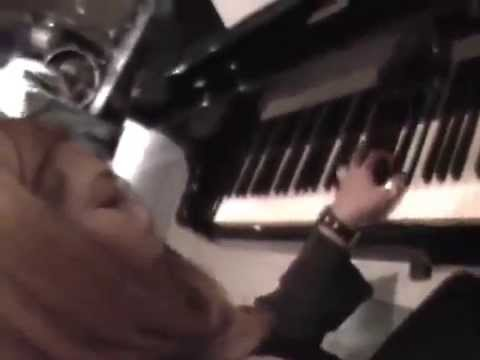 RIka Muranaka playing piano!