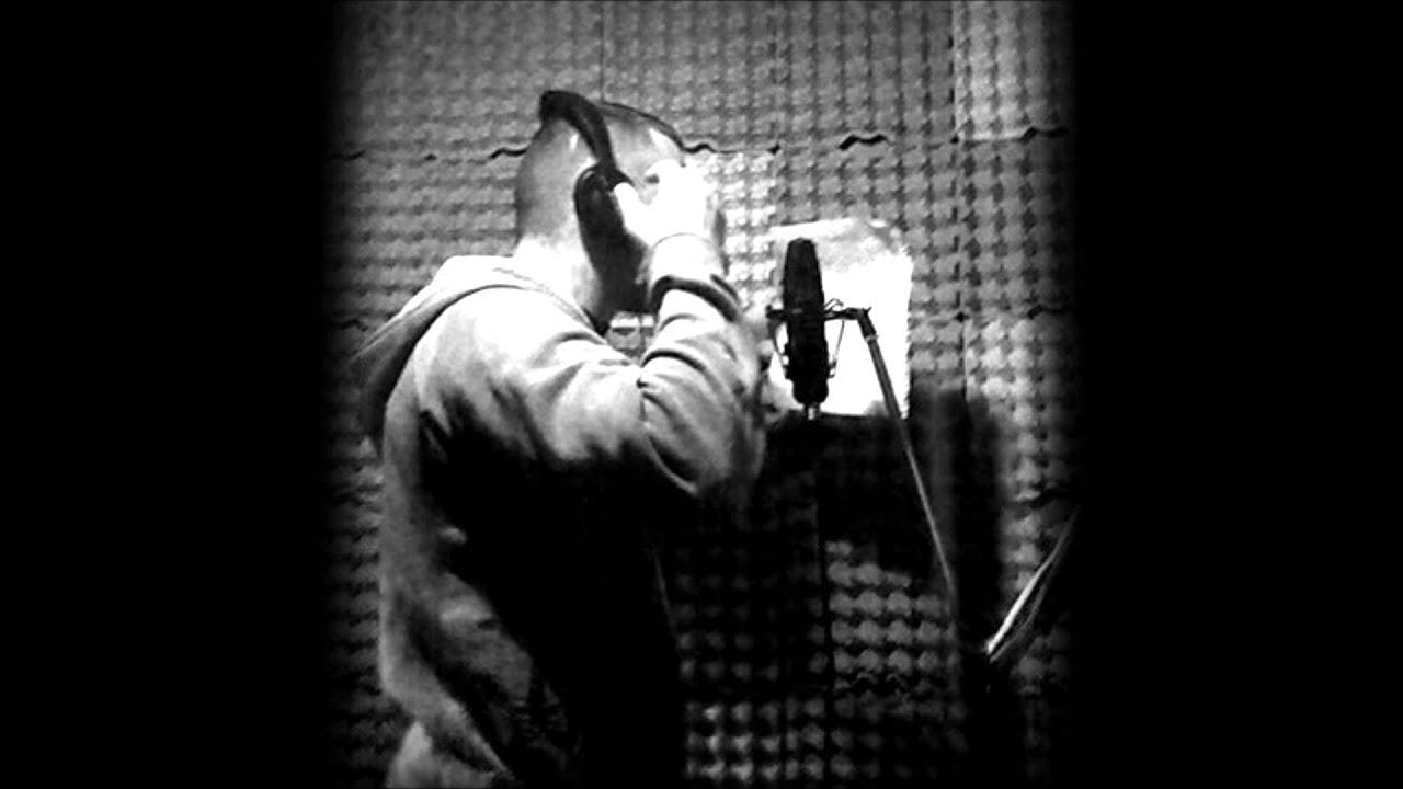 6137c75d4a 2 Arc Kevés dolog.. (Kultúr tróger rap) 2011 - YouTube