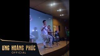 Khán giả vỗ tay không ngừng khi Ưng Hoàng Phúc hát live Người Ta Nói không nhạc