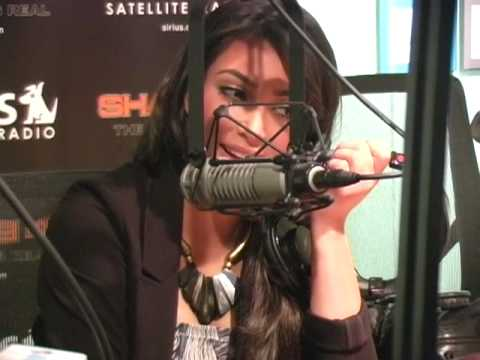 Kim Kardashian Reacts to Eminem's Video // SiriusXM // Shade 45